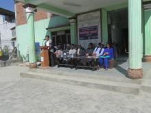कार्यक्रम सहजकर्ता भरोसा नेपालका मनोज प्याकुरेलबाट कार्यक्रम प्रस्तुत गर्दै